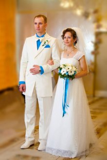 Свадебные смокинг и платье